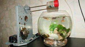 Automatický podávač pre akvárium. Výhody a nevýhody kŕmidiel pre ryby