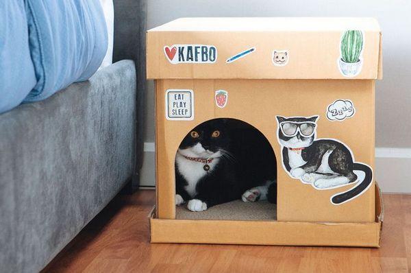 Картонний будиночок для кішок