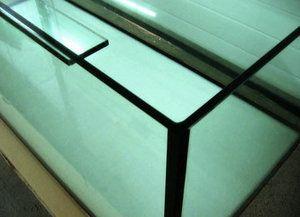Akvarijný tmel: ako zvoliť bezpečné a neškodné lepidlo