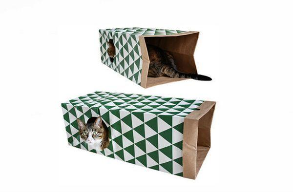 Тунель для кота з паперових пакетів