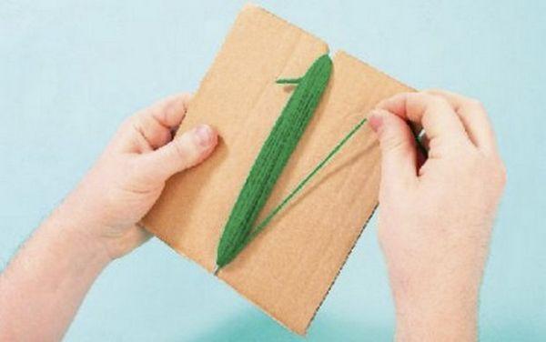 Обмотуємо картон вовняною ниткою