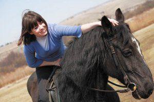Ako jazdiť na koni: základné jazdné pravidlá