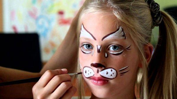 Аквагрим на обличчі дитини
