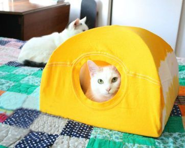 Будиночок для кішки з футболки