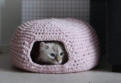 В`язаний будиночок для кішки
