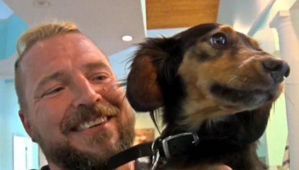 Na floride vyletel pes počas búrky cez palubu a prežil a preplával päť kilometrov k pobrežiu